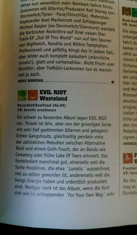 Review im Rock Hard